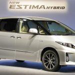 エスティマとハイエース比較【燃費・価格・サイズ・安全性能・口コミ】